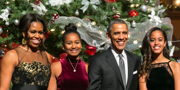 120816-lifestyle-obama-family-christmas-card.jpg